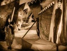 EL GABINETE DEL DOCTOR CALIGARI (1920)