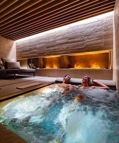 Indoor Pools, Indoor Jacuzzi, Luxury Homes Dream Houses, Luxury Life, Home Spa Room, Jacuzzi Room, Millionaire Homes, Sauna Room, Luxury Pools
