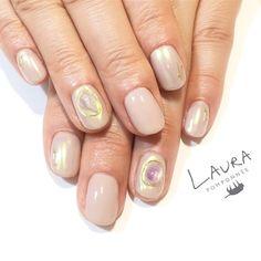 いいね!36件、コメント1件 ― LAURA POMPONNEE 表参道さん(@laura_pom)のInstagramアカウント: 「beige fortune nail✨ . 03-6433-5015 LINE ID[aho7549o] LINEからもお問い合わせいただけます。 . #nail #nailart #nails…」