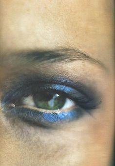 metallic blue smoky eye