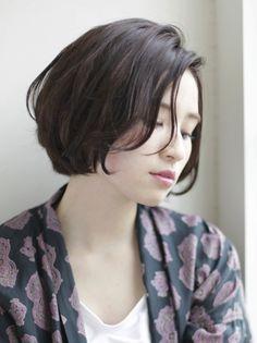 ダークトーンで無造作な質感に仕上げるのがポイント!   青山・表参道の美容室 HOULeのヘアスタイル   Rasysa(らしさ)