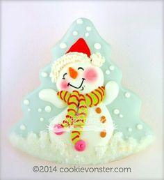 Snowman cookies by Cookievonster Snowman Cookies, Christmas Sugar Cookies, Christmas Cupcakes, Christmas Sweets, Noel Christmas, Christmas Goodies, Holiday Cookies, Christmas Baking, Fancy Cookies