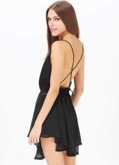 Black Spaghetti Strap Backless Pleated Mini Dress by: Sheinside