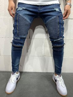 Streetwear Jeans, Streetwear Fashion, Jeans Pants, Mom Jeans, Rider Jeans, Mens Cotton T Shirts, High Fashion, Mens Fashion, High Jeans