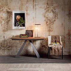 Consolle Convivium, design Giorgio Cattelan per Cattelan Italia, con base in acciaio e piano in laminato, allungabile.