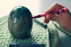 how to: paint rocks with crayons   {NATURAL} MOMMIE