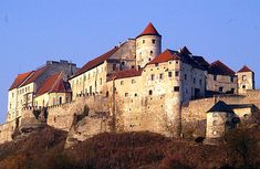 Schloss Burghausen (Burghausen Castle) Altötting district, Oberbayern, GERMANY....    http://www.castlesandmanorhouses.com/photos.htm   ....     Burghausen Castle is situated on the Salzach river, near the border with Austria and is said to be the longest castle in Europe. (The photo shows just one end of it)