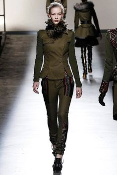 Fur Neck Warmer & #Military Style #Fashion #Trends for Fall Winter 2013 | Prabal GurungFall Winter 2013.
