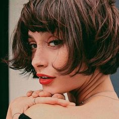 Frisuren-Trend: Der kurze Pony The short pony, also known as Micro Pony, is one of the trendiest hairstyle trends of 2018 this year. We'll tell you which face shape the short pony fits and how cool it looks Hair Day, New Hair, Your Hair, Micro Pony, Hair Inspo, Hair Inspiration, French Bob, Taylor Lashae, Corte Y Color