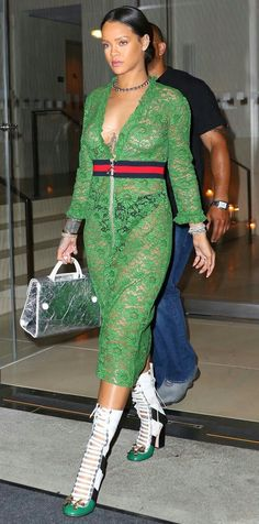 Rihanna enjoys a casual night out at The Edition Hotel in New York City. The Barbadian pop star wore a green Gucci cotton-blend lace dress with a ribbed-knit waistband, ruffled trims and polished two-way zip. She paired her dress with Gucci Finnlay leathe Fenty Rihanna, Rihanna Mode, Style Rihanna, Gucci Dress, Gucci Shoes, Casual Night Out, Street Style Looks, Mode Style, Belle Photo