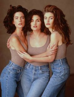 Twin Peaks 1991...Lara Flynn Boyle,Sherilyn Fenn,Madchen Amick.(all in mom jeans apparently)