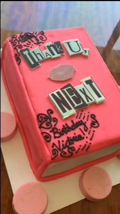I LOVE THIS THANK U NEXT CAKE AHHH 27th Birthday Cake, 16th Birthday Cake For Girls, Teenage Girl Birthday, 16th Birthday Decorations, Beautiful Birthday Cakes, Birthday Gifts, 27 Birthday Ideas, Birthday Outfits, Birthday Quotes
