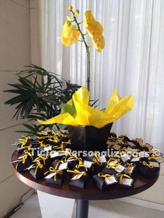 yellow and black party | CatchMyParty.com