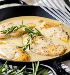 Your go-to creamy chicken recipe for Fall is here: Chicken Breasts with Creamy Rosemary Sauce. It's easy, comes together quickly, and makes enough deliciously creamy sauce for chicken that can be used over pasta, rice, or veggies for a full meal. Rosemary Recipes, Turkey Recipes, Chicken Recipes, Dinner Recipes, Creamy Sauce For Chicken, Best Sauce For Chicken, Rosemary Chicken, Lemon Chicken, Recipes