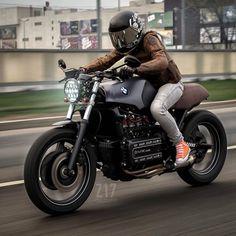 """Gefällt 389 Mal, 5 Kommentare - SCRAMBLERS & TRACKERS (@scramblerstrackers) auf Instagram: """"Regram from THUNDER⚡️DOLLS @thunderdolls by @caferacergram   Featured Rider: @rury555   Bike by…"""""""
