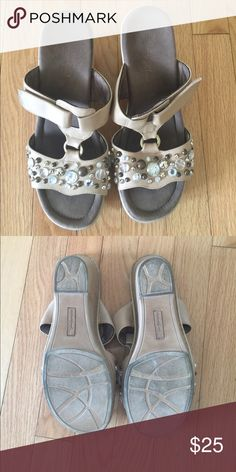 Beaded sandals Good condition natural soul Shoes Sandals