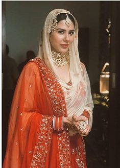 Stunning and regal Indian Bridal Outfits, Pakistani Bridal Dresses, Indian Bridal Wear, Indian Dresses, Indian Clothes, Bridal Lehenga, Indian Wear, Ethnic Fashion, Asian Fashion