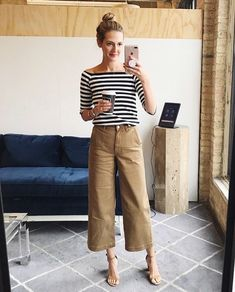 15 most fashionable camel pants that are currently on sale Mode ideen Work Fashion, Trendy Fashion, Fashion Pants, Fashion Outfits, Womens Fashion, Trendy Style, French Chic Fashion, Parisian Chic Style, Classy Fashion