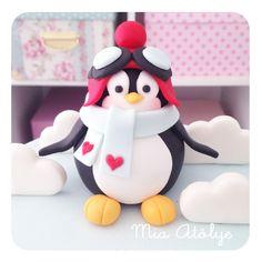 Pilot penguin cake topper