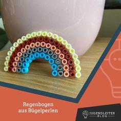 Diese Ideen mit Bügelperlen sind mit Kindern supereinfach nachzumachen. Einfach die Farben zusammensuchen und die Bilder nachbauen. Material und Informationen dazu findest du im Jugendleiter-Blog! Decorative Bowls, Blog, Material, Simple, Colors, Kids, Ideas, Blogging