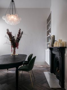 Dining Room Victorian House By Georgina Jeffries Est Living - Dining Room Victorian Living Room, Victorian Homes, Victorian Terrace, Interior Architecture, Interior Design, Design Studio, Dining Room Design, Dining Rooms, Dining Chairs