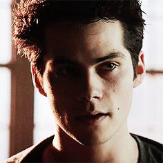 Stiles from Teen Wolf (Dylan O'Brien). Such a pretty gif. He's really knocking it out of the park this season. SO FREAKING HOT Dylan O'brien, Teen Wolf Dylan, Teen Wolf Cast, Scott Mccall, Teen Wolf Styles, Dylan Obrien Tumblr, Pretty Gif, Bae, O Brian