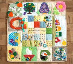 Небо цвета конфетти: Развивающий коврик