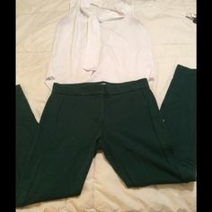 Hunter green pants Great addition to any wardrobe! Good condition LOFT Pants Skinny