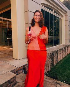 Prom dress red pink half-half two tone dual tone formal dress girl fashion cocktail dress Girls Formal Dresses, Prom Dresses, Dress Formal, Formal Prom, Girl Fashion, Friends Fashion, Girl Gang, Dress Girl, Dress Red