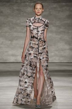Angel Sanchez RTW Spring 2015 [Photo by George Chinsee]