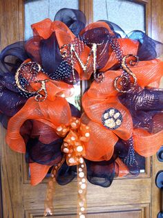 Homecoming wreath CUTE!!! We would do this in TX for high school football for sure!!!
