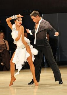 Vesadesign.com dancesport ballroom dress latin dance salsa bachata dress costume