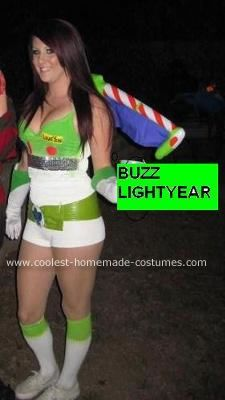 Homemade Buzz Lightyear Halloween Costume Idea: This homemade Buzz Lightyear Halloween costume idea was the easiest costume ever to make. Normally I have to have my sister help me but not with this one.