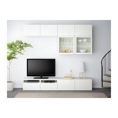 Soggiorno con pensili, mobile TV e mobili, tutto in bianco | Home ...