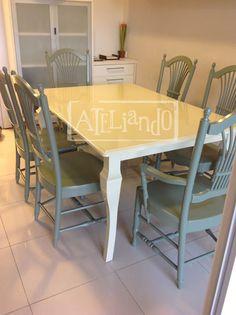 Ateliando - Customização de móveis antigos: Mesa de Jantar 2 tons  Toda restaurada, com madeira tratada e laqueada em dois tons para compor uma energia melhor!