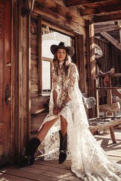 Little Rock van Rue De Seine Western Wedding Dresses, Bohemian Wedding Dresses, Modest Wedding Dresses, Bridal Dresses, Event Dresses, Bohemian Weddings, Indian Weddings, Sheath Wedding Gown, V Neck Wedding Dress