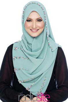 Radiusite Pashmina Hijab Tutorial, Hijab Style Tutorial, Hijab Style Dress, Hijab Outfit, Instant Hijab, Moslem Fashion, Hijab Collection, Turban Hijab, Muslim Women