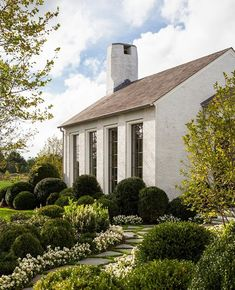Brick cottage, cottage homes, historical concepts, boxwood garden Exterior Design, Interior And Exterior, Historical Concepts, Brick Cottage, Cottage Homes, Architecture Details, My Dream Home, Home Staging, Future House