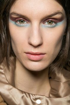 Runway Makeup Inspiration: Two-Toned Eyeshadow | StyleCaster