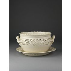 Bowl with cover and stand | Leeds Pottery | ca.1800
