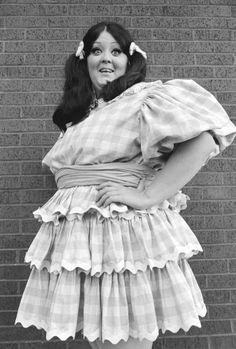 Still of Lulu Roman in Hee Haw (1969)