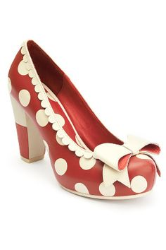 5a112bfd49d Lola Ramona Angie Bow & Leather Scallop Trim Heels in Red Rockabilly Mode,  Sko Hæle