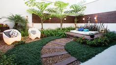 Jardines pequeños con piedras - Rebel Without Applause Back Gardens, Small Gardens, Outdoor Spaces, Outdoor Living, Outdoor Decor, Landscape Design, Garden Design, Backyard Landscaping, Home And Garden