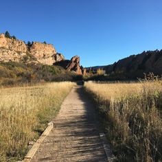 11 Incredible Hikes Under 5 Miles Everyone In Colorado Should Take  Are you a novice hiker (like myself) who wants to get out and hike Colorado this summer but doesn't know where to begin?