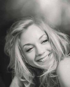 Emily Kinney-Beth Greene-The Walking Dead Beth Greene, Emily Kinney, The Cw, Nebraska, Beautiful Smile, Beautiful People, Walking Dead Girl, Liana Liberato, Emily Vancamp