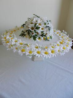 Raymond Hudd hat daisy