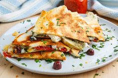 Mediterranean Quesadillas Greek Recipes, Veggie Recipes, Healthy Dinner Recipes, Cooking Recipes, Healthy Foods, Easy Mediterranean Diet Recipes, Mediterranean Dishes, Meditranian Diet, Ravioli