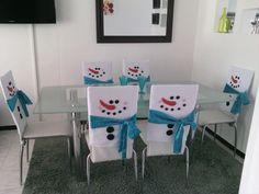 Hermosos forros decorativos para sillas del comedor del tradicional muñeco de nieve ideales para decorar el hogar en una epoca tan importante como la navidad.