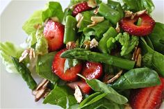 STRAWBERRY ASPARAGUS SALADomaine lettuce, baby spinach, asparagus, strawberries, almonds–sugar toasted