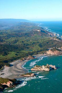 ✯ Wharariki Beach - New Zealand